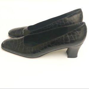 Stuart Weitzman Croc Print Heel Black 11.5AAA